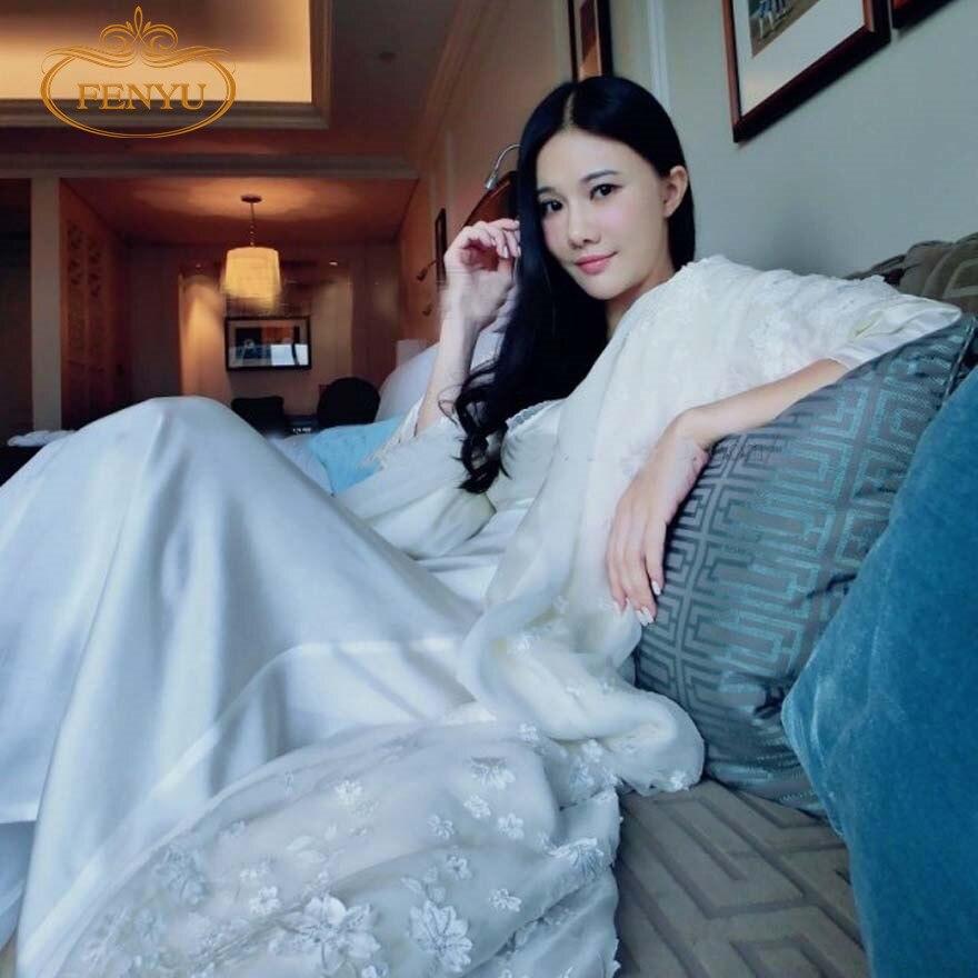 ¡Envío gratis! nueva bata blanca de invierno para mujer, camisón de princesa con encaje real