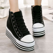 Chaussures compensées vulcanisées haut de gamme chaussures en toile femme baskets à plate-forme chaussures talon caché hauteur augmentant chaussures plates B083