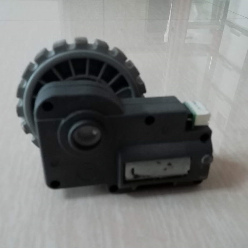 (Para Robot limpiador QQ6) Montaje de rueda izquierda para Robot aspiradora QQ6