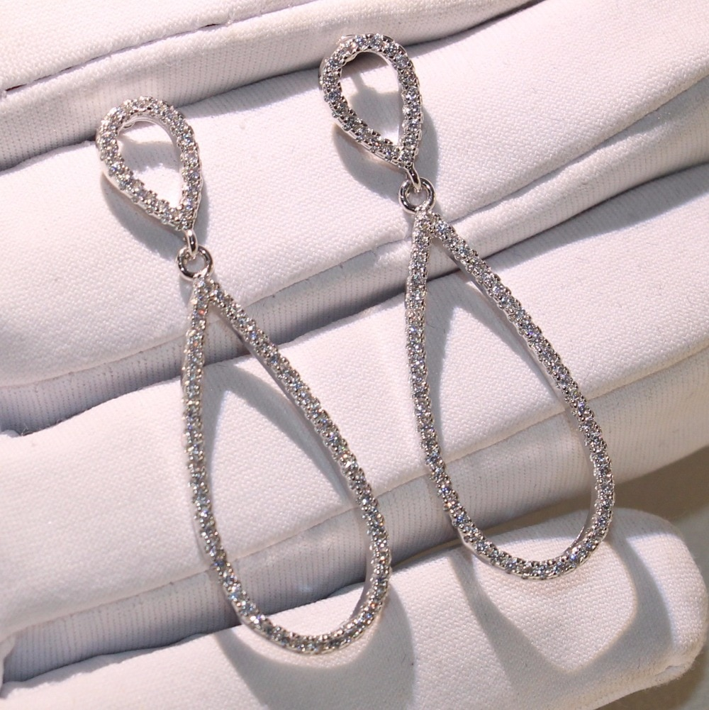 Joyería brillante fresca Plata de Ley 925 pavé blanco claro AAA Zirconia cúbica hueco gota pendientes mujeres Lucky pendiente regalo