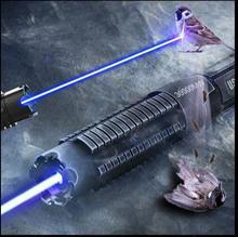 Puntero láser azul militar de alta potencia de 450nm y 100000m con un alcance de 10000 metros para Enfoque Ajustable papel en llamas