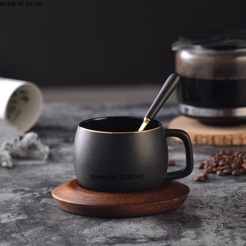 Taza de café dorada creativa Northern European Scrub Taza de Café de Cerámica juego de cucharas de té de la tarde inglesa tazas de té rojo caja de regalo