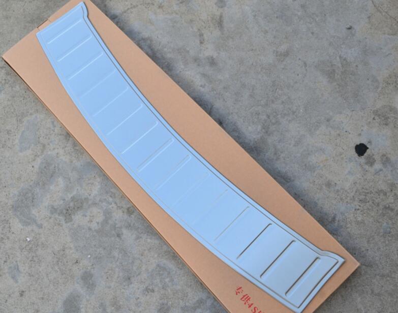 Para Dodge Travel para Fiat Freemont 7 asientos 2012-2015 exterior de acero inoxidable trasero Protector de parachoques de la puerta trasera ajuste de la cubierta del alféizar