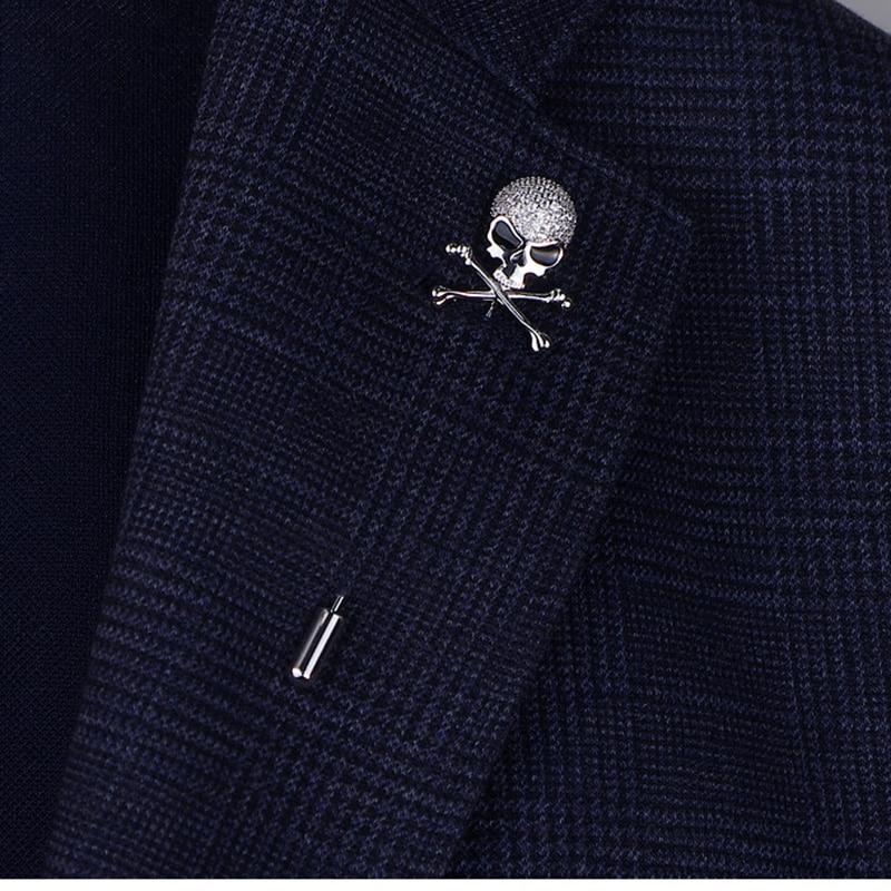 Pin de hueso de alta calidad Punk trapo de calavera Pins para Mujeres Hombres Cool esqueleto estilo broches con Rhinetsone Stone Femme al por mayor