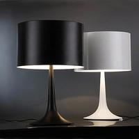 נורדי מנורת שולחן פשוט מודרני סלון שולחן קישוט שולחן מנורת שחור לבן שולחן מנורת חדר שינה ליד המיטה