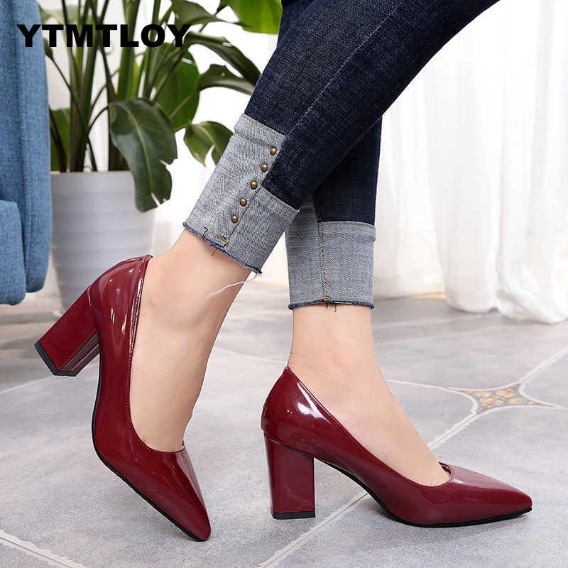 Zapatos de talla grande 33-43, zapatos de tacón cuadrado para mujer, zapatos de tacón de punta estrecha a la moda, zapatos grises de tacón alto de cuero negro para fiesta, plataforma roja sexi