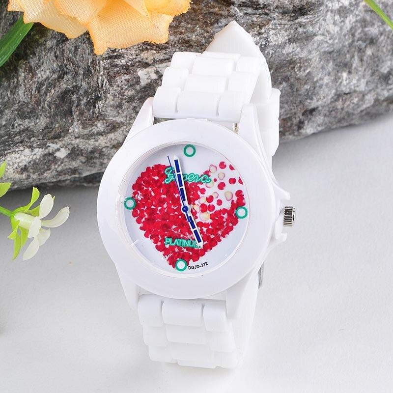 Superior nuevo mujeres gelatina de silicona rojo corazón pétalos cuarzo reloj de pulsera Feb16