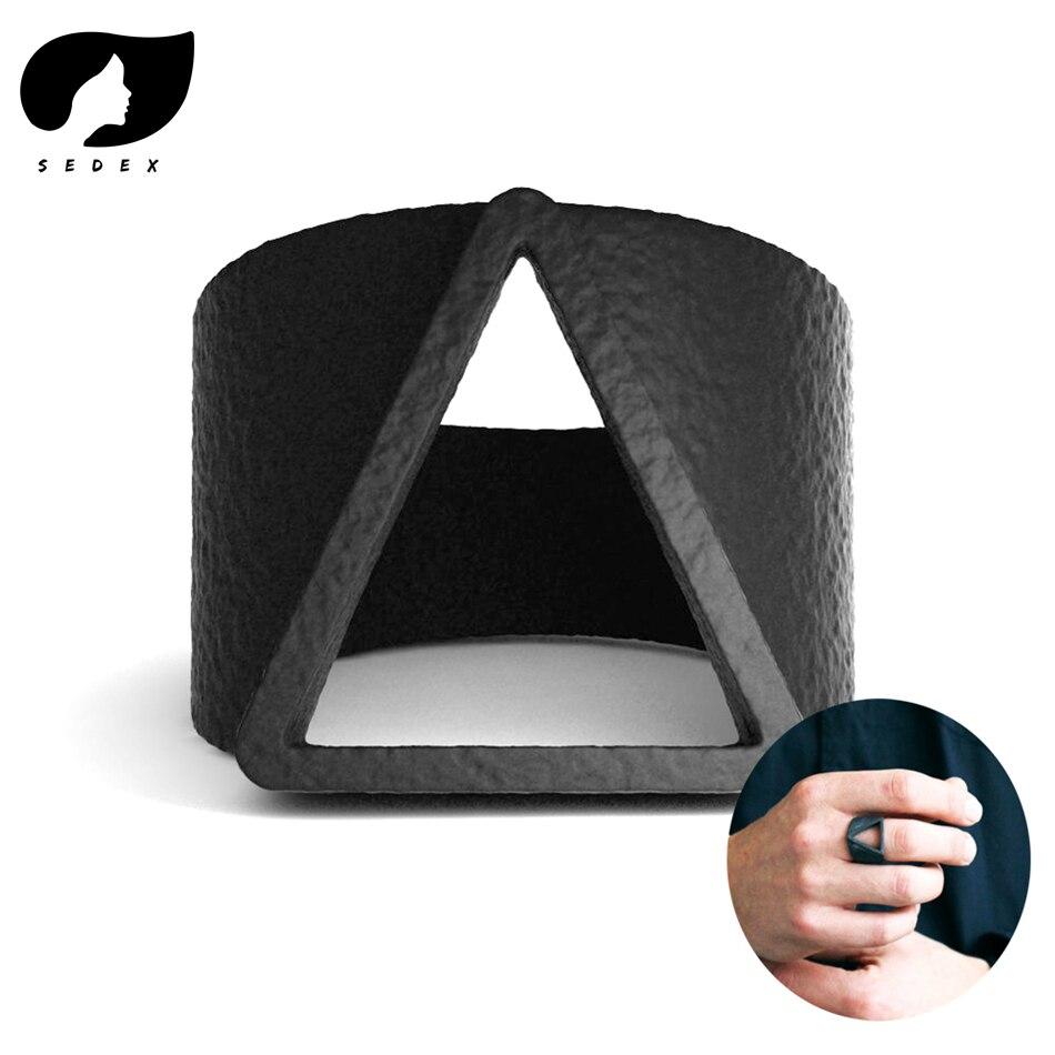 Gran oferta 2019 anillos para hombre anillos de dedo de triángulo geométrico de Estilo Vintage para hombre anillos de moda negro para hombre Accesorios de joyería para hombres