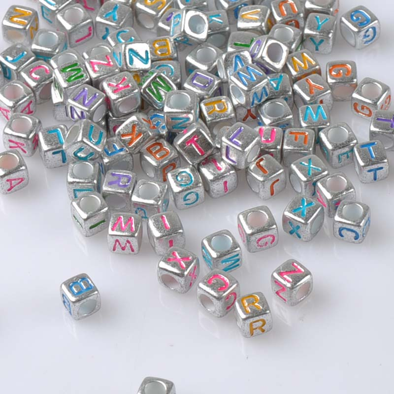 200 pces 6x6mm misturado prata acrílico alfabeto/letra cubo pony grânulos para fazer jóias ykl0553x