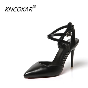 The spring and summer of spring and summer is a new pointy shingle single heel shoe, silver high heels, a flip-flop sandals