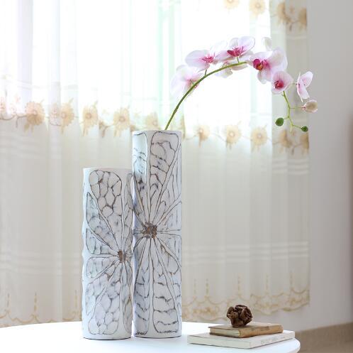 Estatuilla de resina blanca creativa mariposa Flor retro florero estatua vintage decoración del hogar artesanía decoración de la habitación florero grande estatuilla de resina