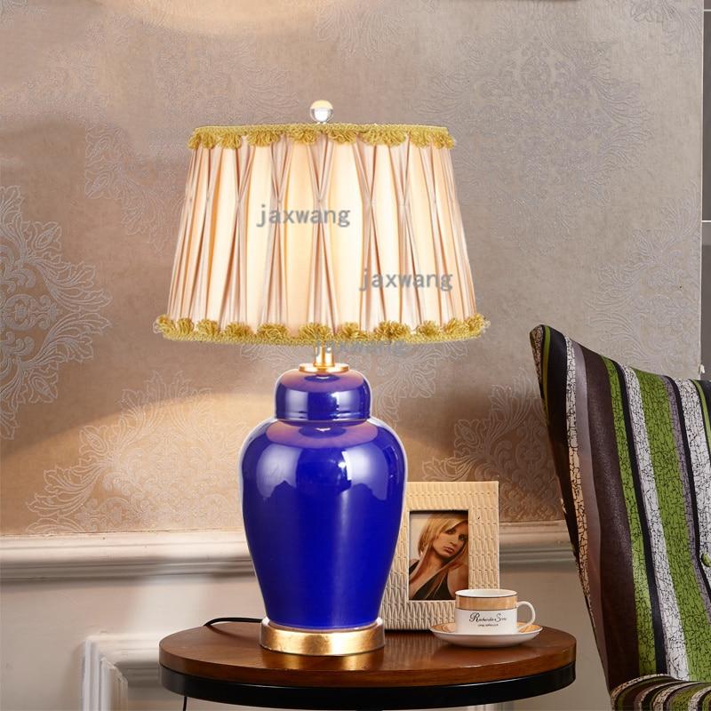 Lámpara de mesa de cerámica Europea lámpara de mesita de noche lampara escritorio modelo habitación matrimonio creativo decoración vintage sala de estar