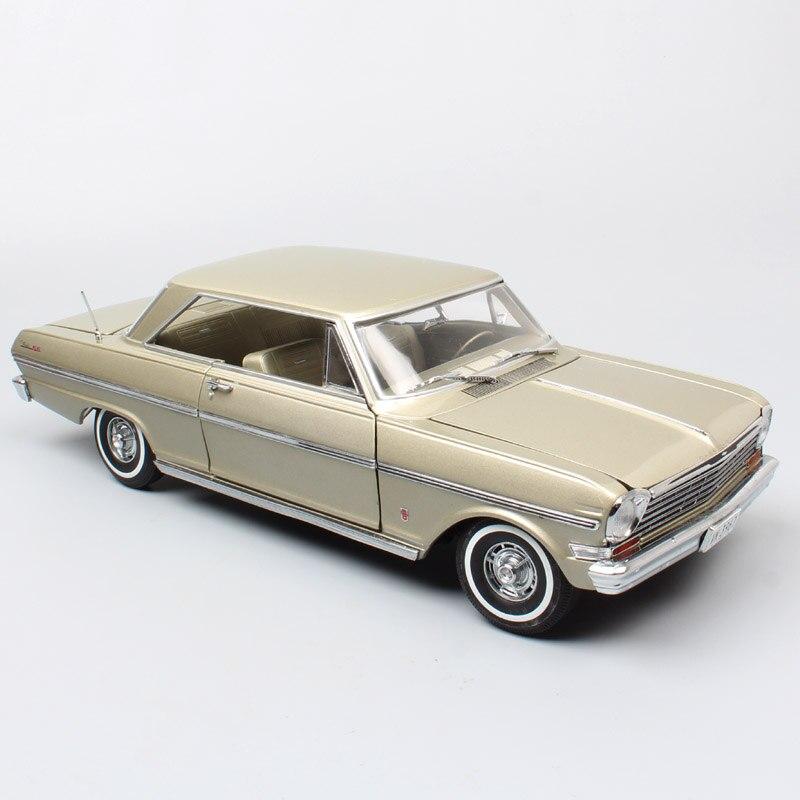 Chico de escala 118 vintage grande de Sunstar 1963 Chevrolet Chevy II Nova coupe Diecasts y vehículos de juguete modelo Juguetes para la colección