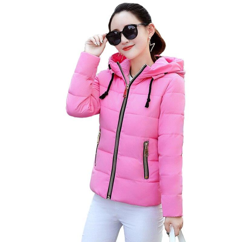 Chaqueta corta Parkas de mujer 2019 Otoño Invierno chaquetas de algodón estudiantes pequeña chaqueta acolchada con capucha de algodón Tops gruesos abrigos cortos