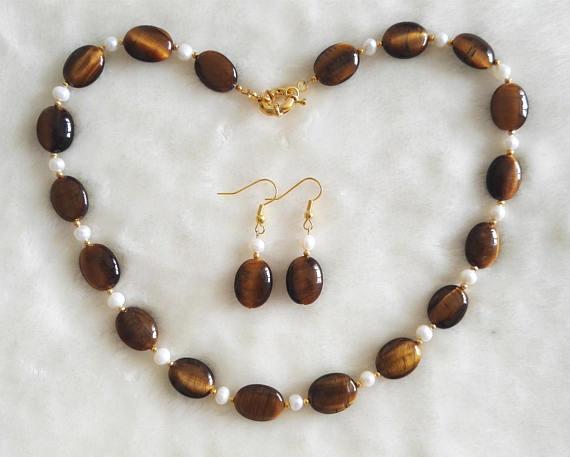 Очаровательный жемчужный ювелирный набор, коричневый цвет, тигровый глаз, белый натуральный пресноводный жемчуг, ожерелье, серьги