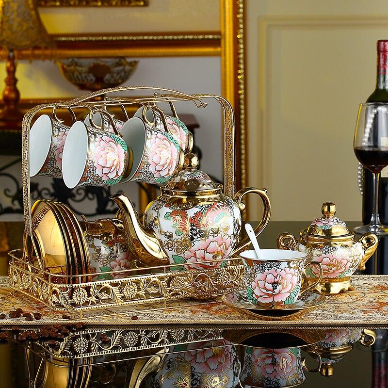 مجموعة مكونة من 21 قطعة من فناجين القهوة الصينية على شكل الفاوانيا ، فنجان شاي أوروبي عتيق ، غلاية شاي ، إبريق شاي وقهوة ، طقم أكواب وأطباق