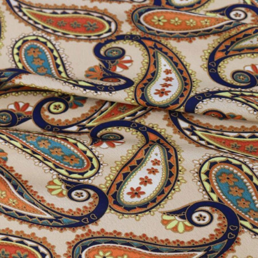 Tela de raso crepé charmeuse calificada, material de costura, tela de pijamas de poliéster sedoso, material de tela de vestir artesanal