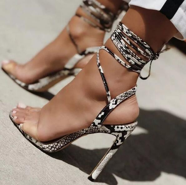 Novedad de verano, Sexy, mujer, transparente, PVC, Peep Toe, pitón, piel de serpiente, tacones finos, tobillo, cordones, tacón alto, sandalias de fiesta, zapatos de talla grande