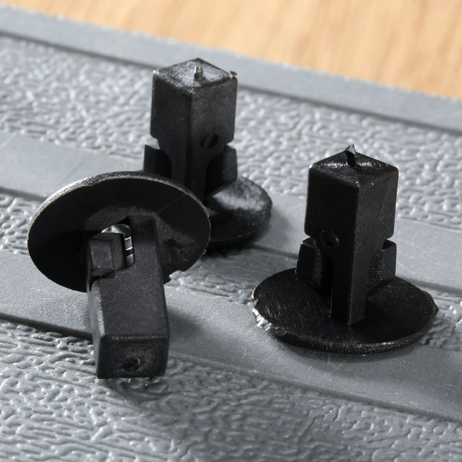 50 Uds Clips de sujeción para coche remaches guardabarros interiores 8,2x8,3mm agujero para Toyota retenedor Clips de ajuste parachoques Fender sujetadores de empuje