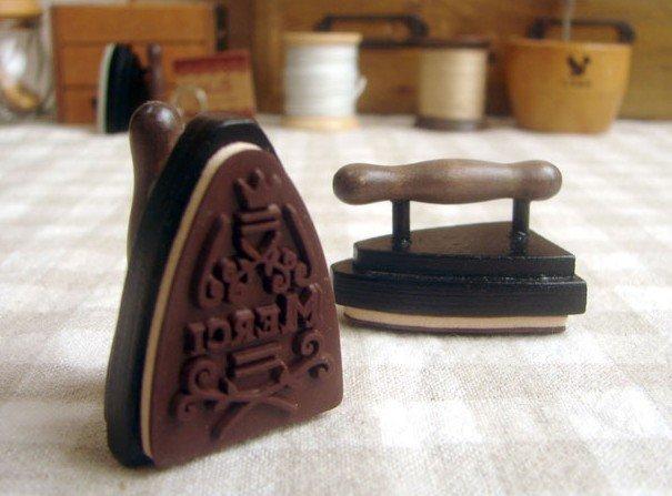 """Venta al por mayor hermosa madera con forma de hierro + sello de goma """"Merci"""" Diseño para decoración16pzas/lote"""