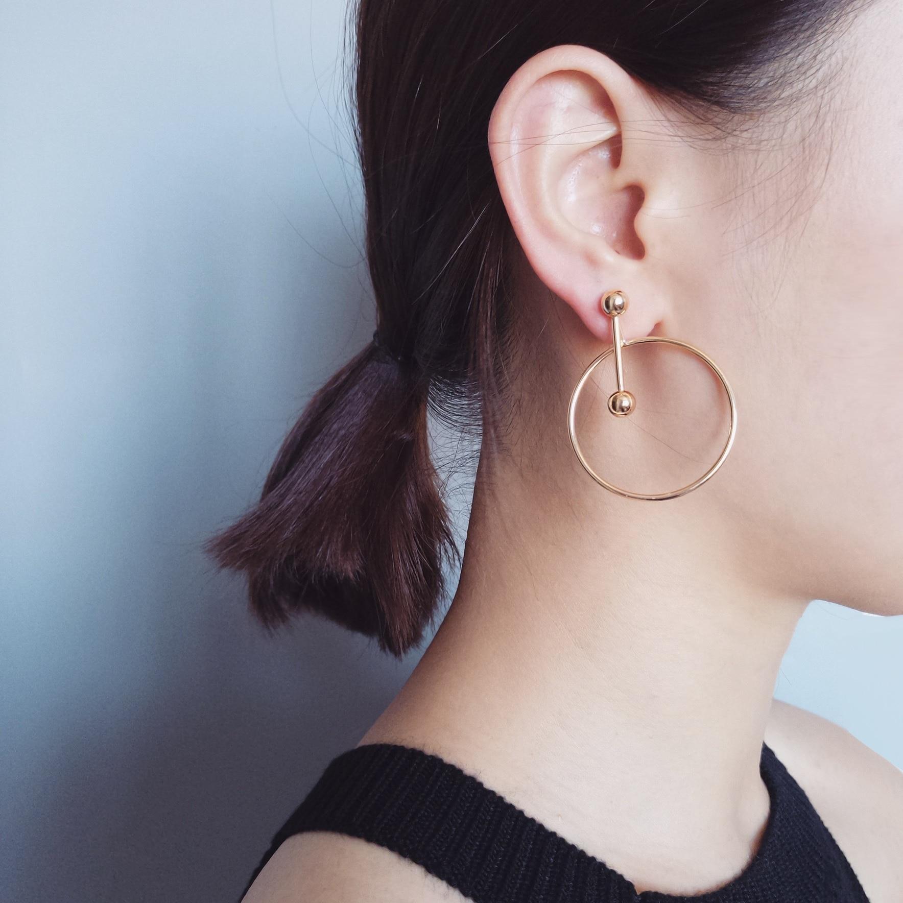 ¡Novedad de primavera y verano de 2019! anillo hueco de aleación de estaño geométrico para mujer, pendientes circulares simples Diseño de geometría