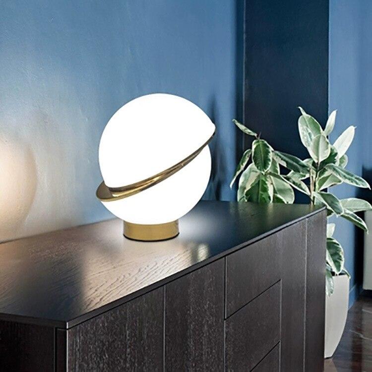 مصباح مكتب مزخرف بالكهرباء ، حديث ، لغرفة النوم ، بجانب السرير ، دراسة ، أصالة ، شخصية ، كرة مستديرة ، مصباح مكتبي