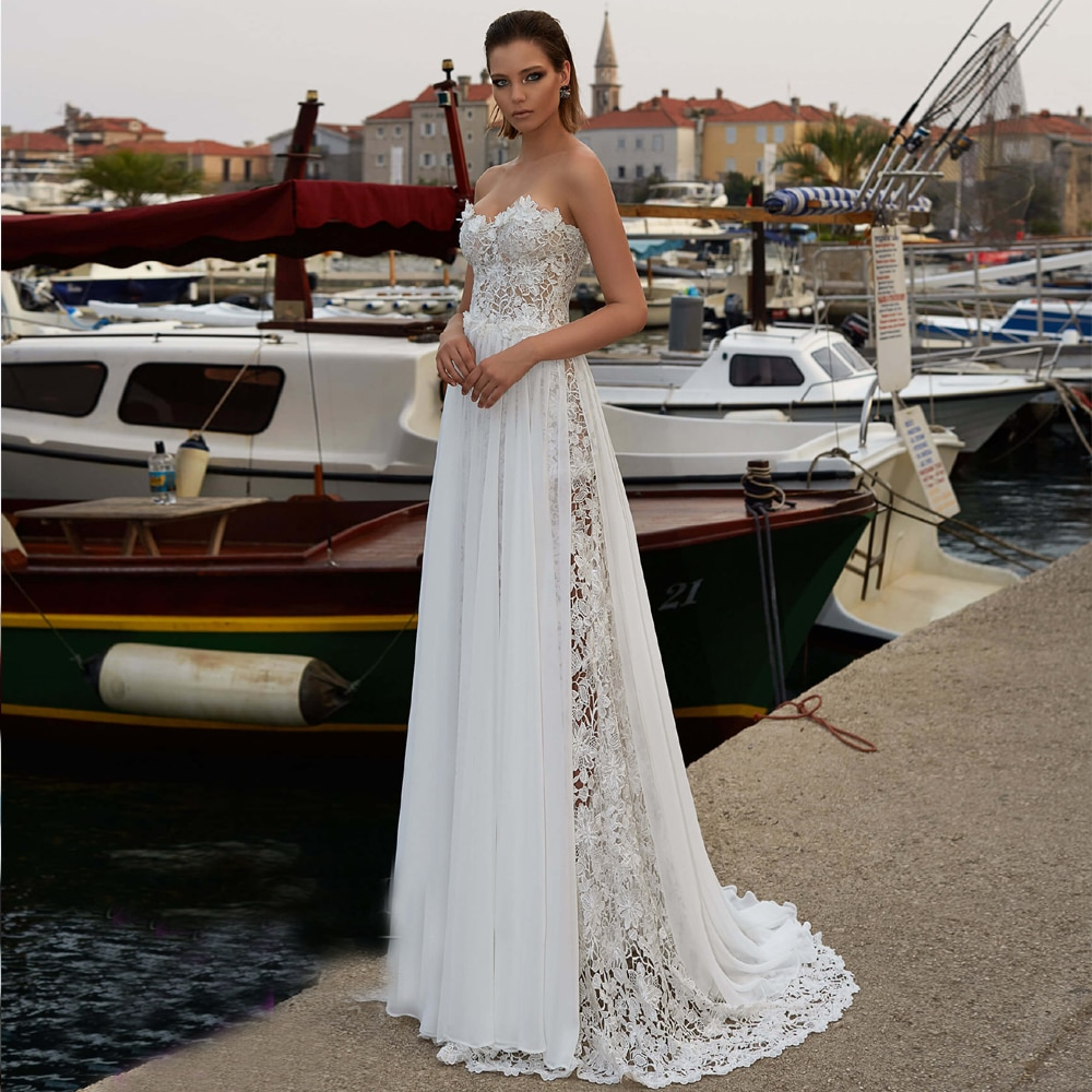 Купить с кэшбэком LORIE Boho Wedding Dress 2019 Strapless Lace Sleeveless Beach Bride Dress Detachable Chiffon Wedding Gown Floor Length