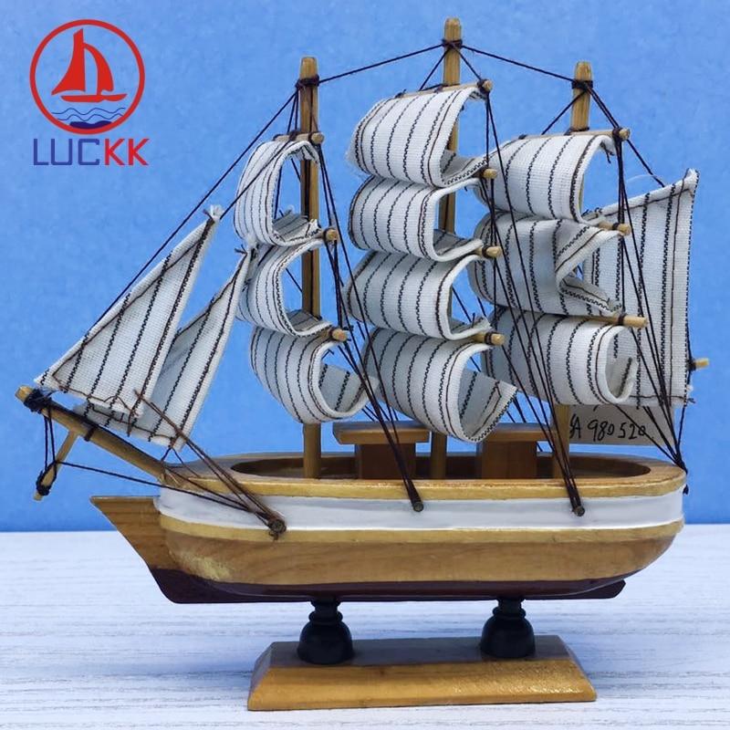 LUCKK 16CM modelo de madera escandinavo barcos artesanías de madera decoración Interior del hogar miniatura náutica hecha a mano Retro estatuilla de velero