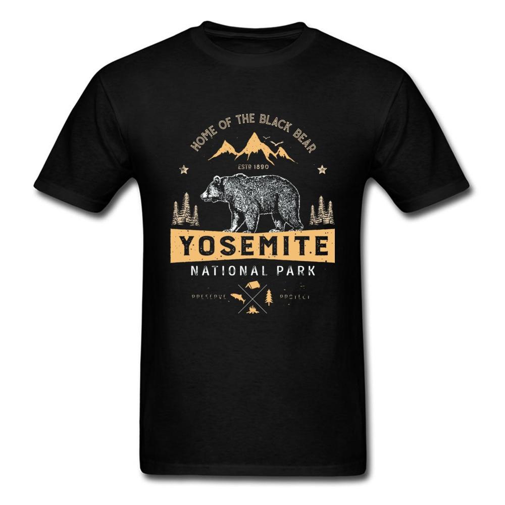Stay Wild Forest Mountain Bear camisetas Yosemite National Park California Animal impreso hombres Camiseta de algodón ropa personalizada