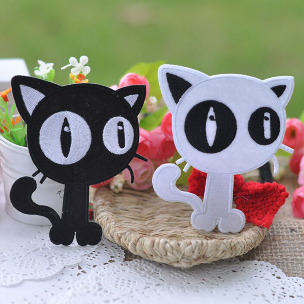 White Black Cat Patch DIY Cloth Badges Embroidered Applique Sewing Clothes Stickers Apparel Accessories 9.5x7.5cm