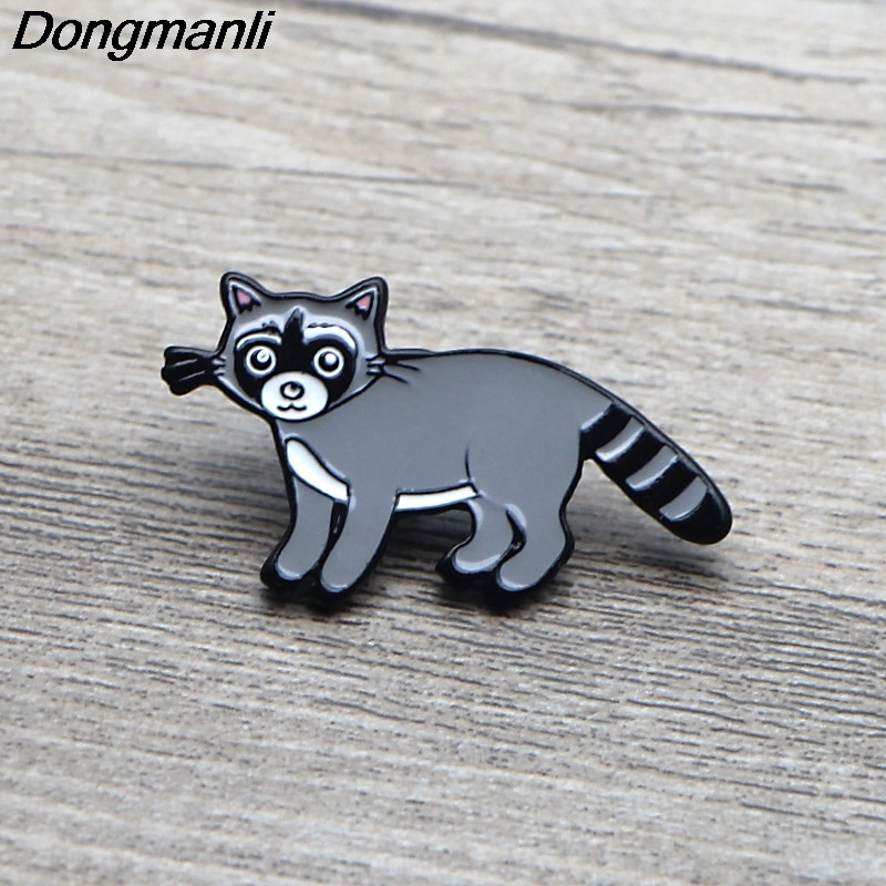 L3596 guaxinim bonito gato pinos de esmalte broches para mulheres homens lapela pino dos desenhos animados metal crachá colar jóias presentes 1 pçs