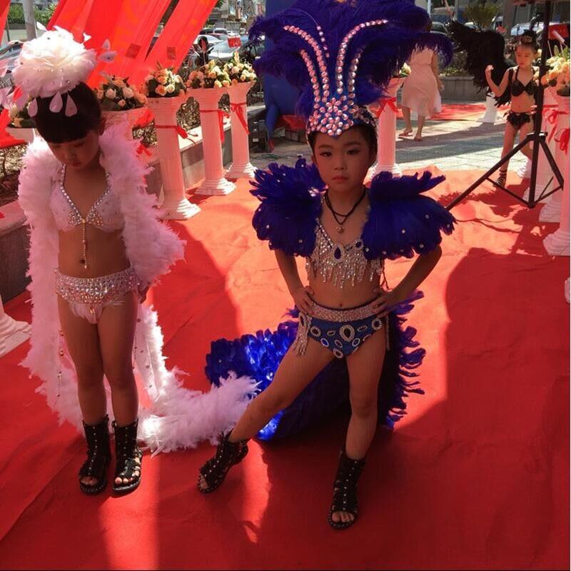 Bikini blanco negro azul colorido capa de pavo real para niños carnaval trajes de espectáculo escénico para niña