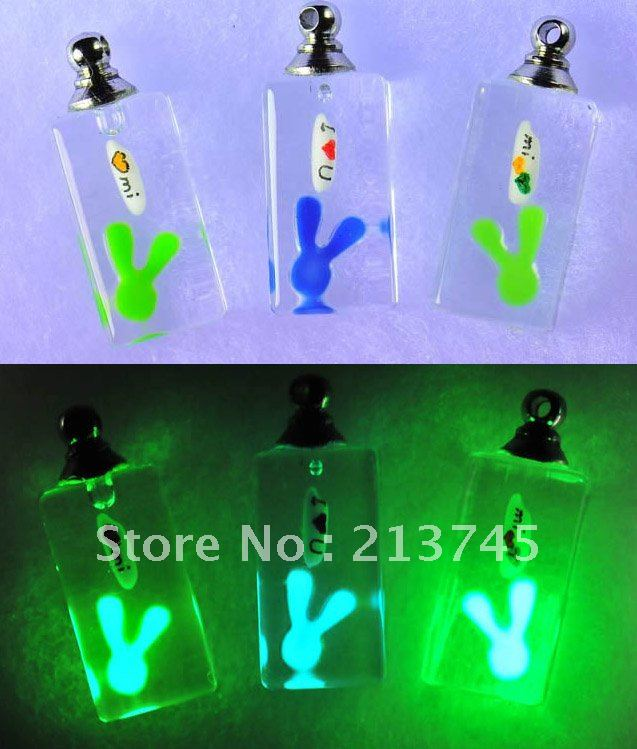Freeshipping!!   luminous DIY Rabbite Vial Pendant Jewelry Pendants rice art pendant