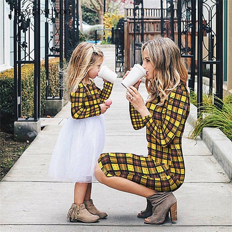 Vestidos de moda para madre e hija primavera 2019, trajes a juego para mamás y niñas, Vestido de manga larga a cuadros para familia C0263