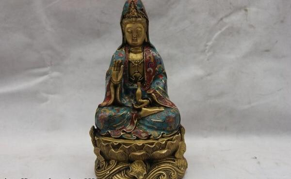 Canción voge joya S1164 China Esmalte Cloisonné Bronce Cobre Asiento kwan-yin Guan Yin Diosa Estatua Florero