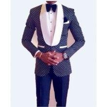 HB080 sur mesure hommes dhonneur châle blanc revers marié Tuxedos bleu marine hommes costumes de mariage meilleur homme (veste + pantalon + cravate + mouchoir)