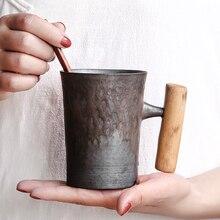 Caneca de cerâmica grossa do vintage esmalte de ferrugem com punho de madeira chá leite xícara de café colher de madeira água escritório drinkware