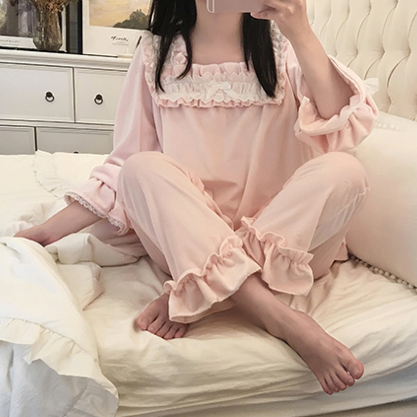 UNIKIWI.Autumn Winter Women Lolita Flannel Pajama Sets.Vintage Ladies Palace Style Lace Flowers Pyjamas Set.Sleepwear Loungewear