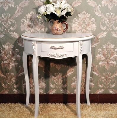 طاولة مدخل فاخرة بنصف دائرية ، باللون الأبيض العاجي الأوروبي ، وطاولة جانبية ، وخزانة مدخل حديثة بسيطة.