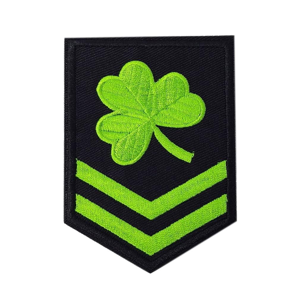 Trébol irlandés militar parche bordado suerte hierro trébol de coser en CHEVRON verde aplique de insignia de parche nuevo