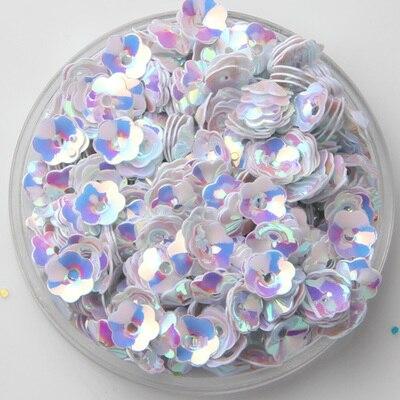 1200 unids/lote Color blanco 5mm 3D Flor de ciruela de lentejuelas de coser arte/adorno de conclusiones ropa de mujer accesorios de costura