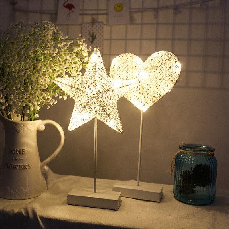 LAIDEYI 40CM estrella forma de corazón hierba ratán tejido LED luz nocturna con batería de potencia niñas dormitorio Lámpara de mesa decorativa niños regalo juguete
