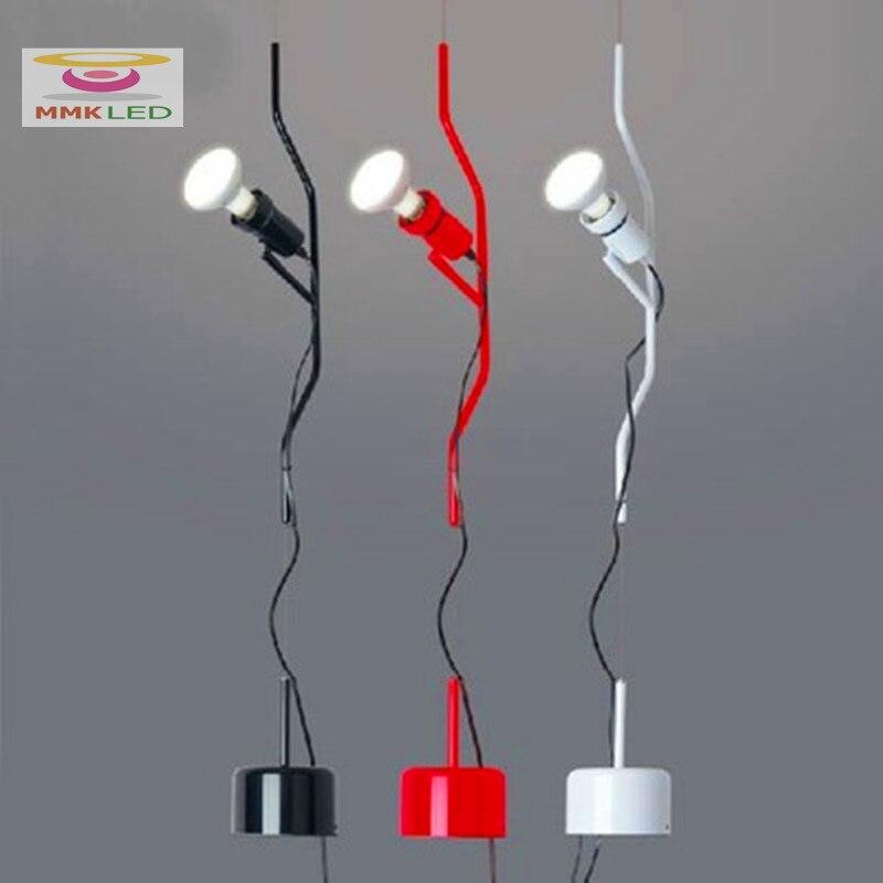 مصباح سقف من الحديد المطاوع على الطراز الإيطالي ، تصميم إيطالي ، إضاءة داخلية مزخرفة ، مثالي لغرفة المعيشة أو غرفة النوم أو المكتب.