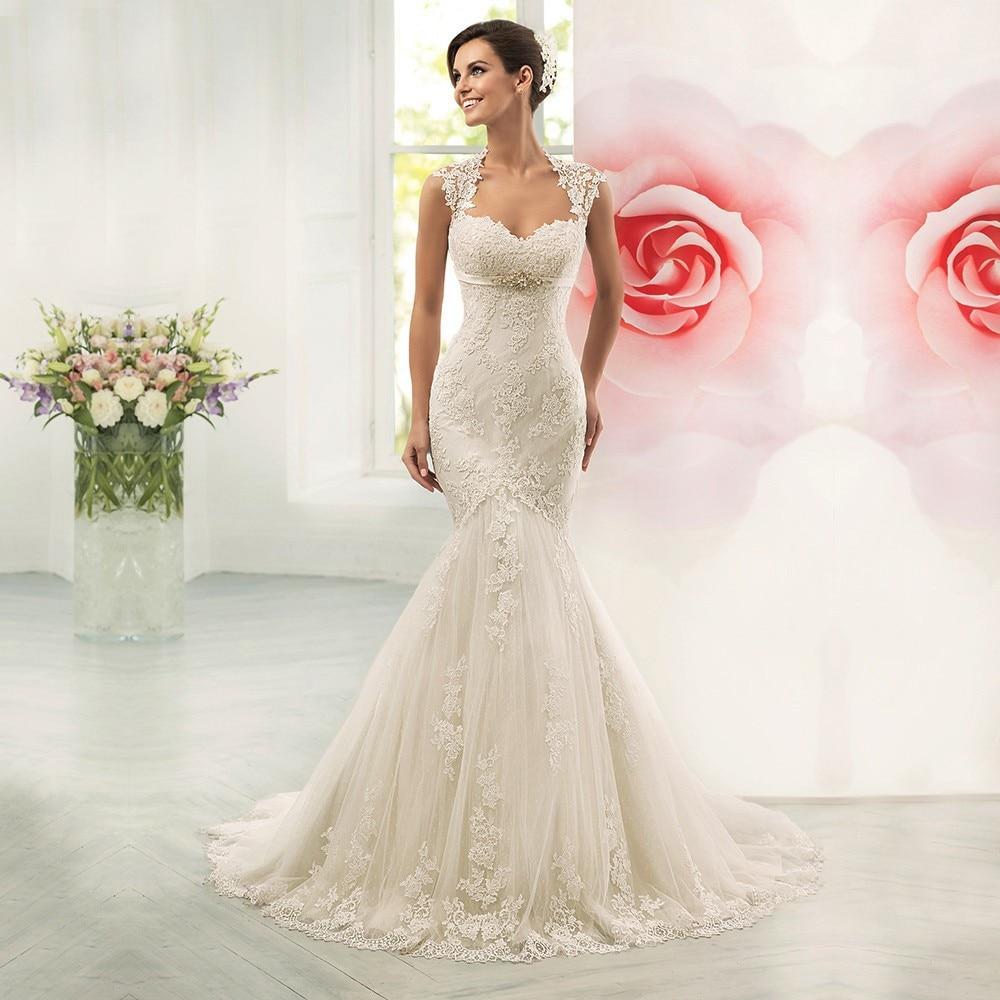 Vestidos de boda sin mangas de encaje romántico ahuecados con cinturón de cuentas tren sirena de barrido vestidos de novia HS18