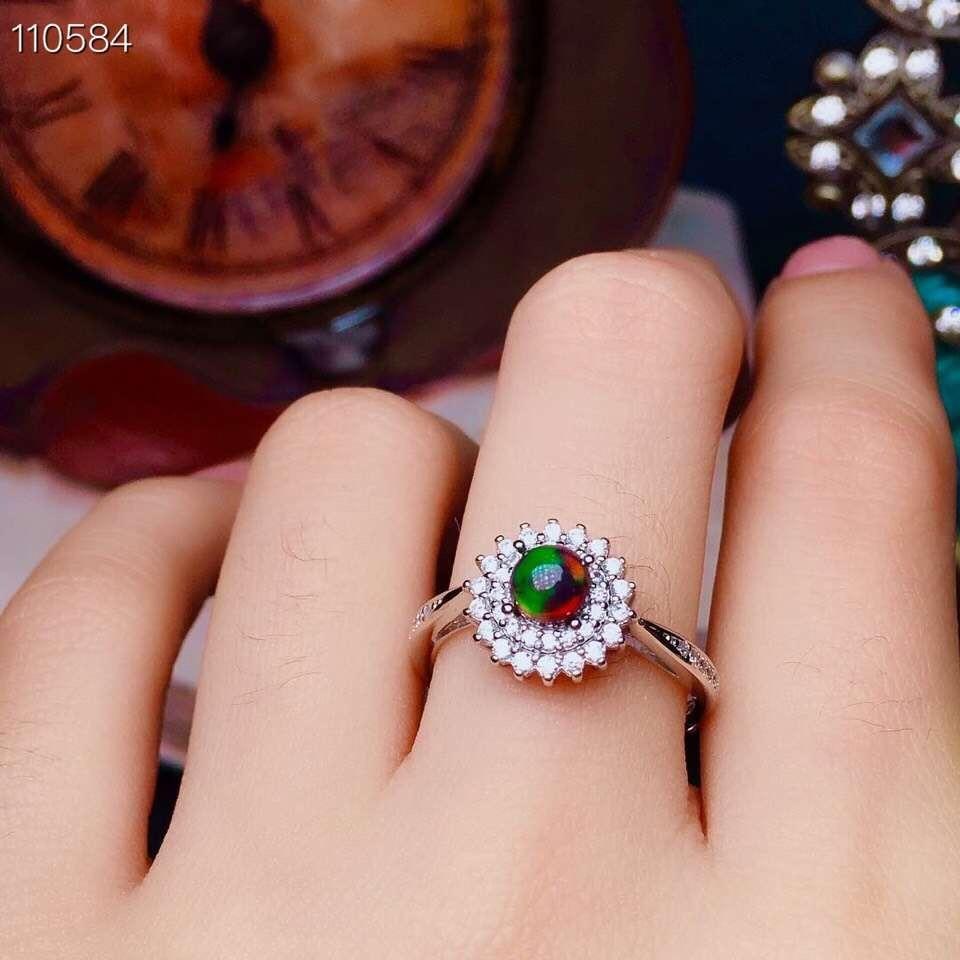 Nuevos productos, anillo de ópalo negro natural, incrustaciones de plata 925, Venta caliente. De Australia