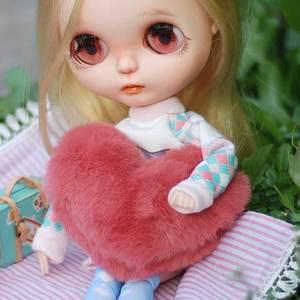 G05-X5153 children baby gift Toy 1:6 Dollhouse mini Furniture Miniature rement bjd Photo props Love pillow 1pcs