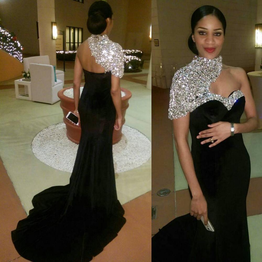 Vestidos de Noche árabes elegantes, vestidos de fiesta de graduación con diamantes de imitación con espalda descubierta y cuello alto, vestido de noche Formal africano con cuentas de terciopelo, vestido de fiesta