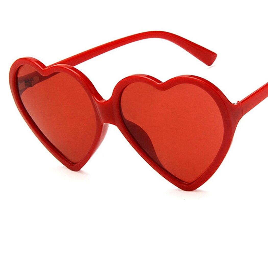 Gafas de sol bonitas y sexis para mujer, gafas de sol de moda, gafas de sol de corazón de amor de marca de diseñador Retro Vintage, gafas de sol económicas, sombras Rojas