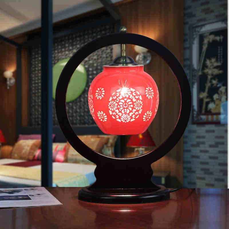 Jingdezhen, lámparas de mesa de cerámica de porcelana de Estilo Vintage para mesita de noche, lámpara de mesa antigua de porcelana blanca y azul China