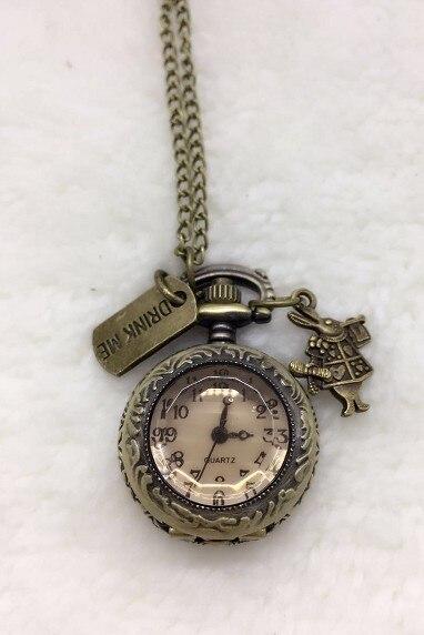 Vintage montre de poche à Quartz rétro Alice au pays des merveilles lapin boisson moi Tag femmes filles collier pendentif cadeau 10 pièces